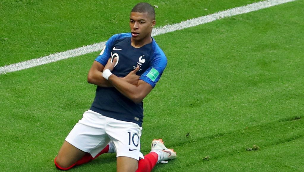 Celebration Mbappé